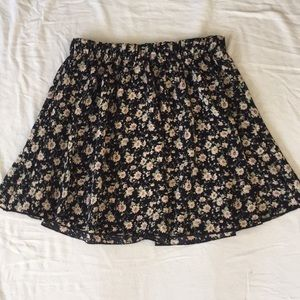 Mini flowy skirt